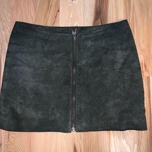 BB Dakota Olive Suede Mini Skirt - Size 2